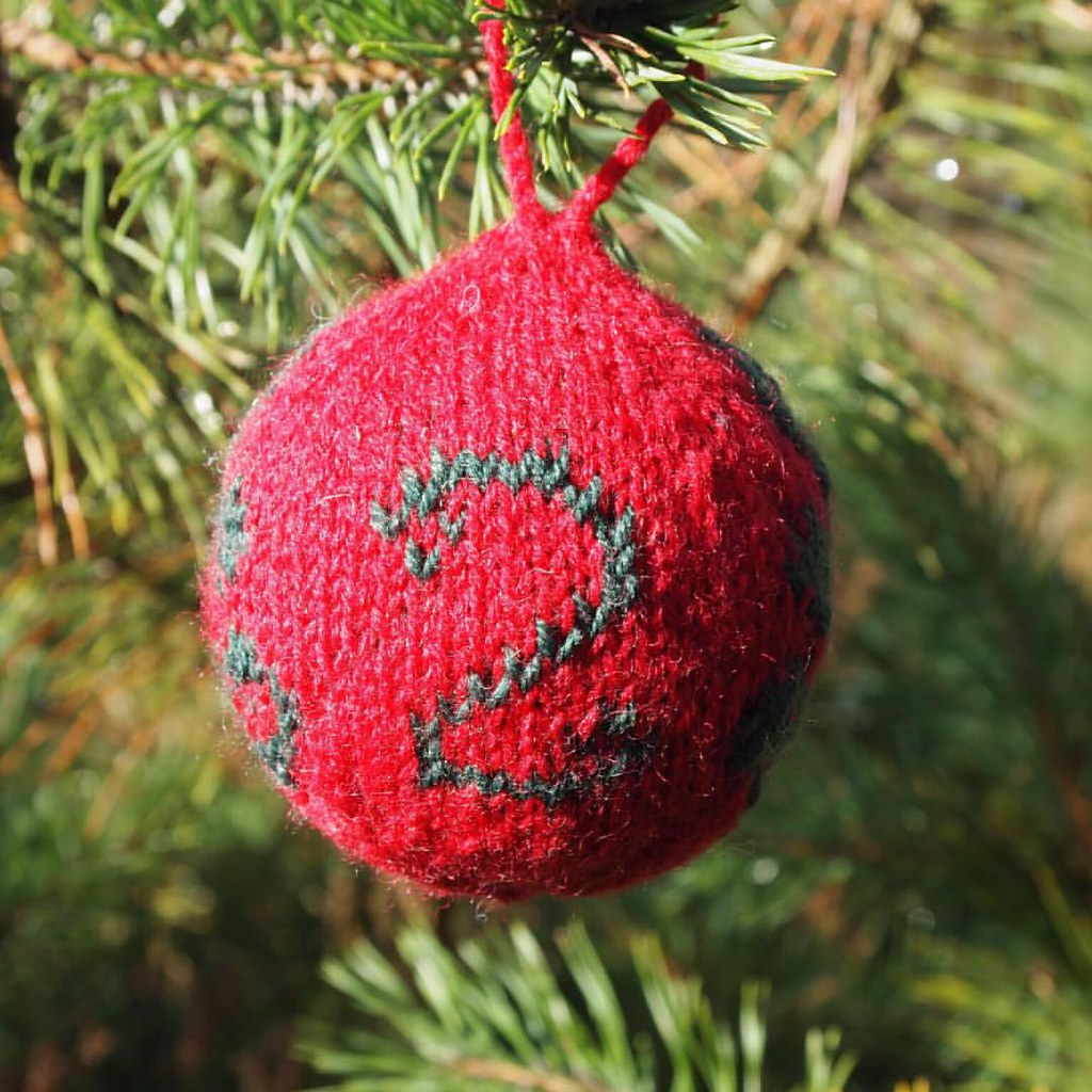 For the 2nd of December; bauble number 2. Making this adve… | Flickr