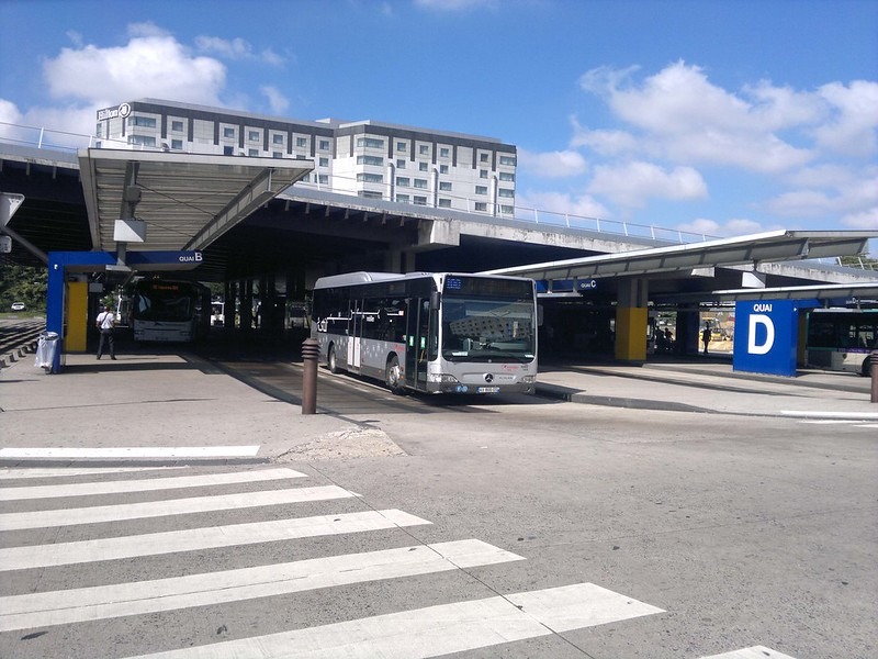 Roissypôle - Terminal Rodoviário, Gare Routière