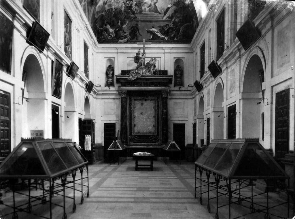 Sacristía de la Catedral de Toledo vacía con motivo de la incautación del Tesoro Catedralicio por parte del Gobierno de la II República en el verano de 1936. Foto Archivo Nacional de Cataluña.