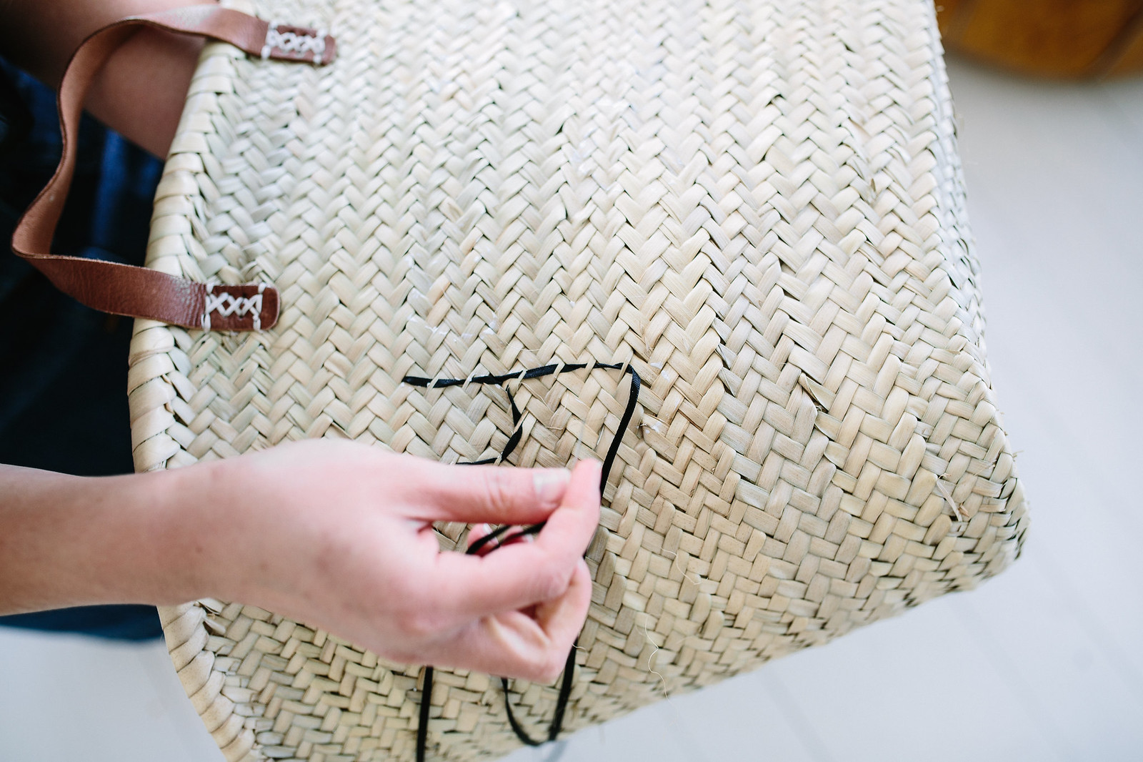 DIY Embroidered Picnic Tote