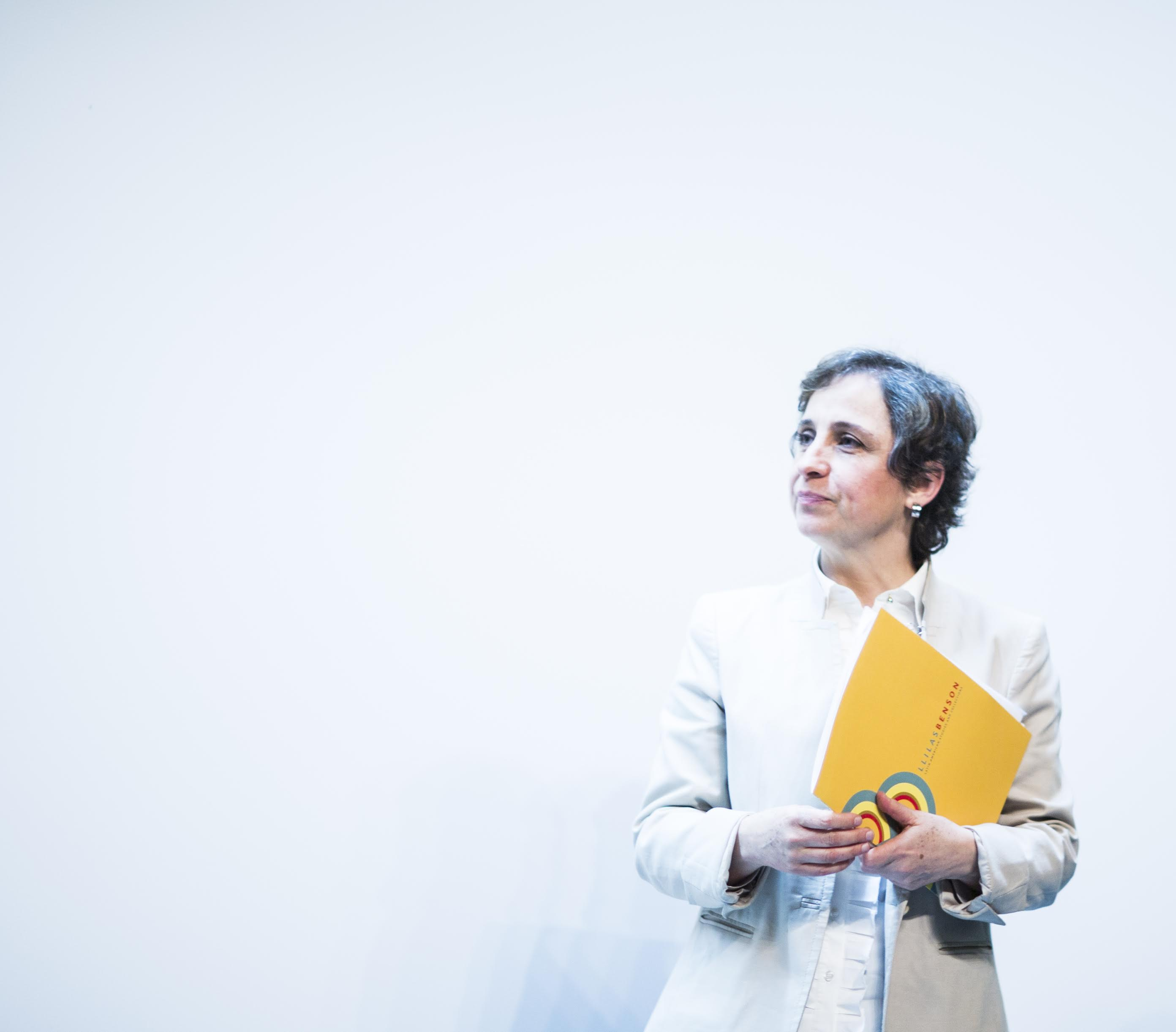 La periodista Carmen Aristegui visitóUT Austin en 2016 para dar una charla sobre la democracia en México.