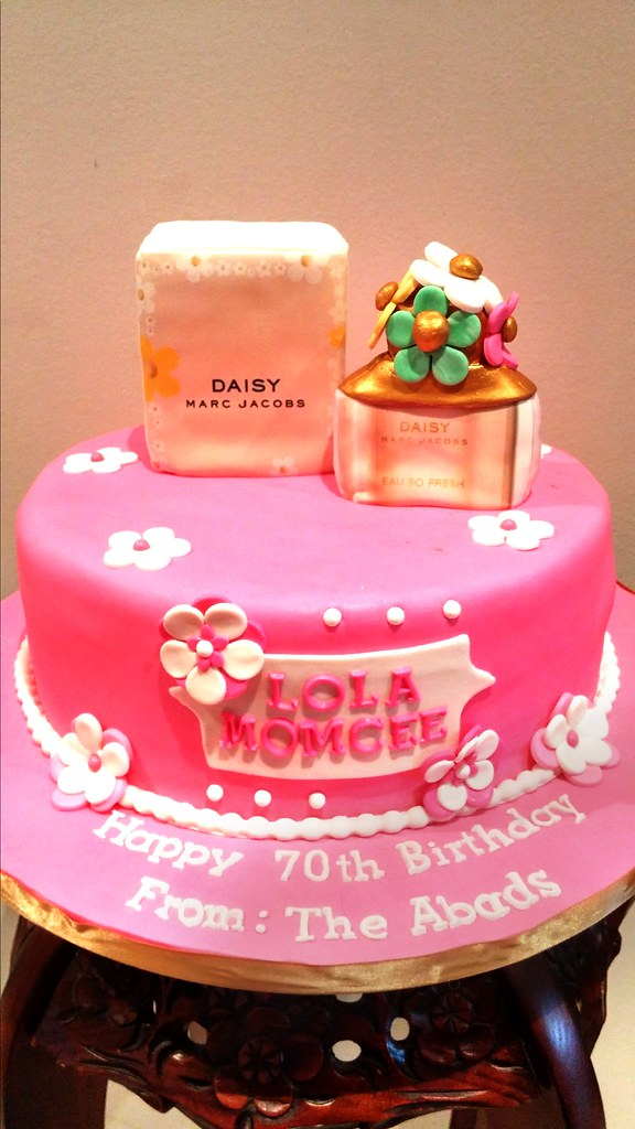 Chocolate Cake For A Marc Jacobs Daisy Perfume Bottle And Flickr