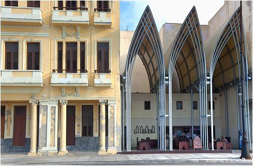 446 la abad a la habana un edificio moderno al for Marco polo decoracion