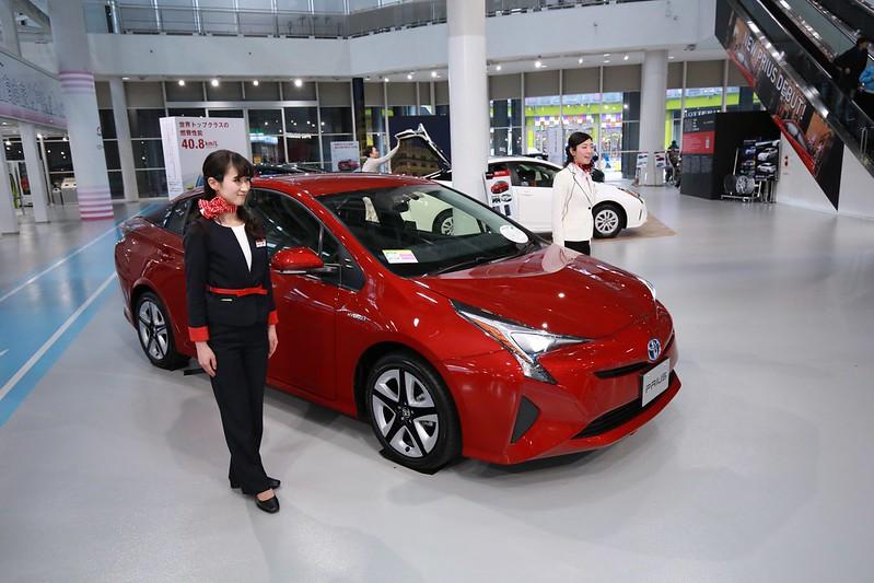 Prius 4現場展示