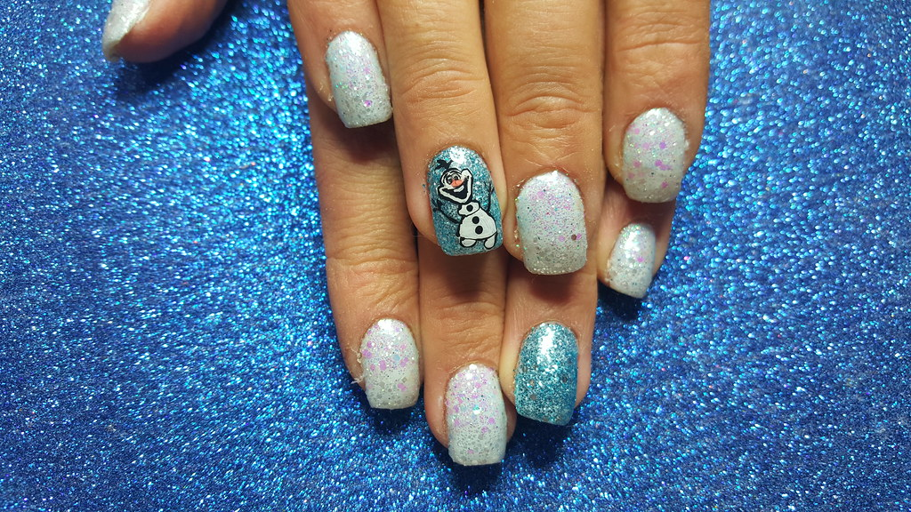 Acrylic nails with frozen coloured glitters and olaf | Flickr