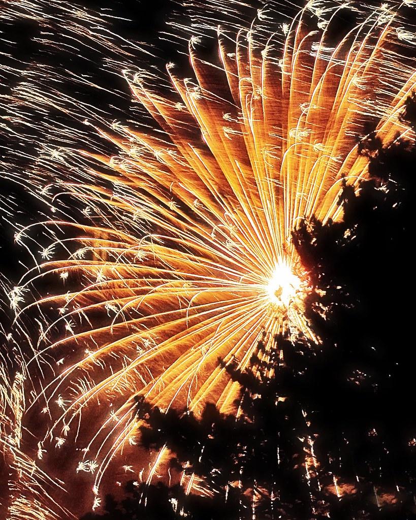 stone mountain fireworks golden explosion better large aft flickr