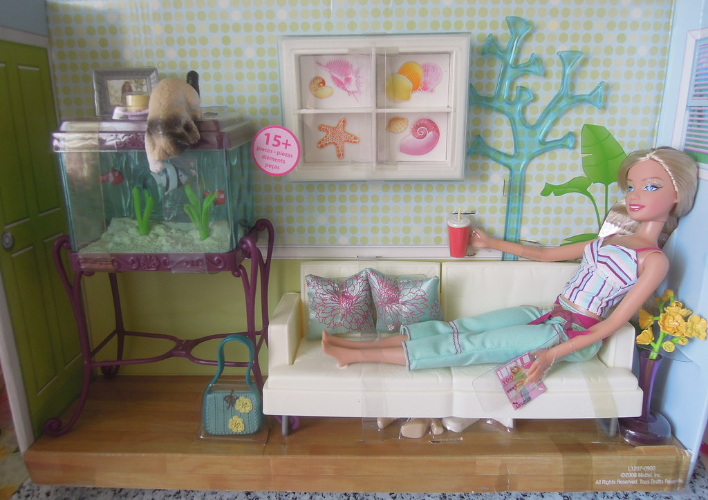 ... Mattel 2006 Barbie Aquarium Cool Living Room Set   By ♡ Joy W.