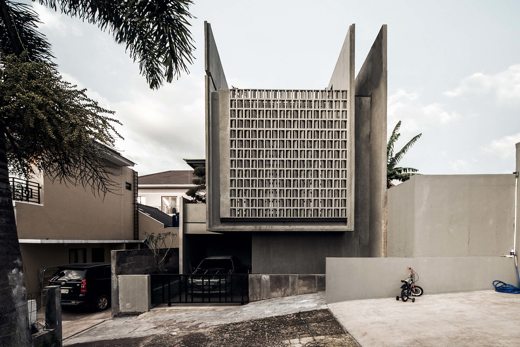 Minimax House Minimalist Two Story Concrete House By Ebe Flickr