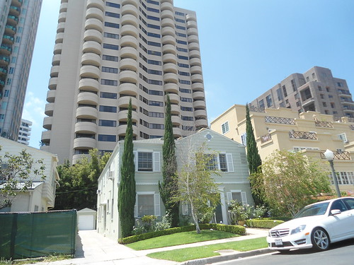 wilshire blvd high rise condo 39 s tower above the charming a flickr. Black Bedroom Furniture Sets. Home Design Ideas