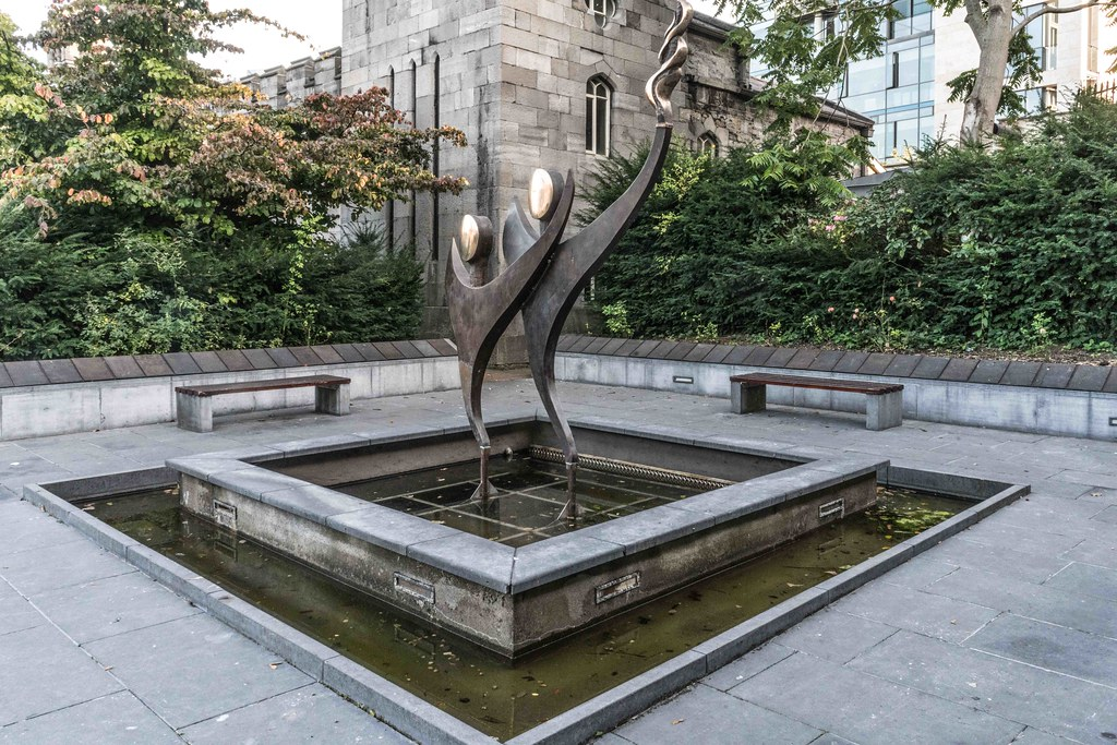 SPECIAL OLYMPICS MEMORIAL BY JOHN BEHAN [WITHIN THE GROUNDS OF DUBLIN CASTLE] REF-1085851