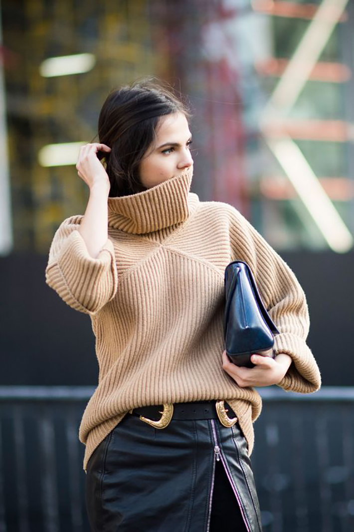 Knitwear rainy day outfit accessories fall style streetstyle winter style fashion trend7