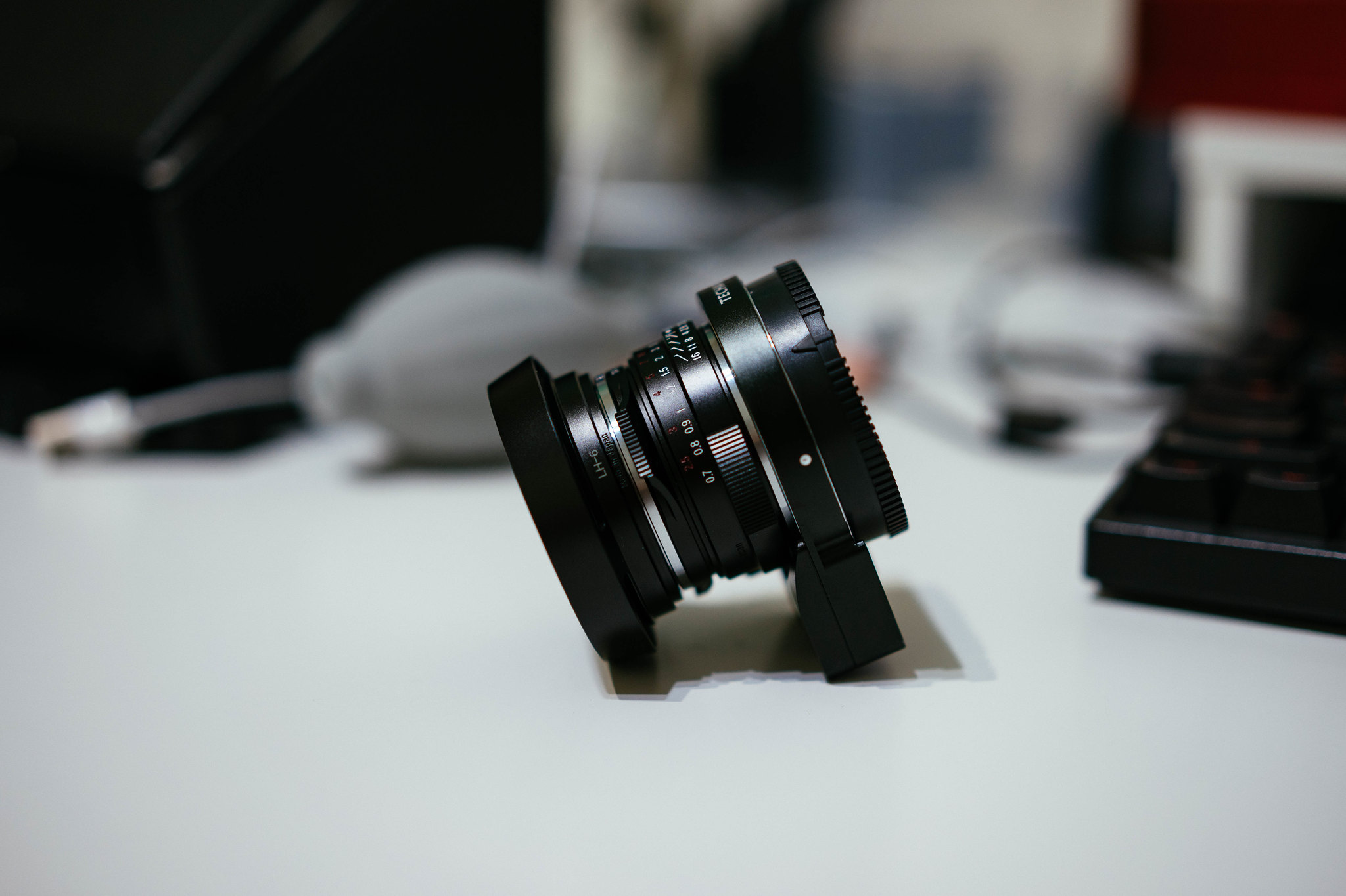 Cosina Voigtlander Nokton Classic 35mm/f1.4 with Techart LM-EA7 (Autofocus adapter)