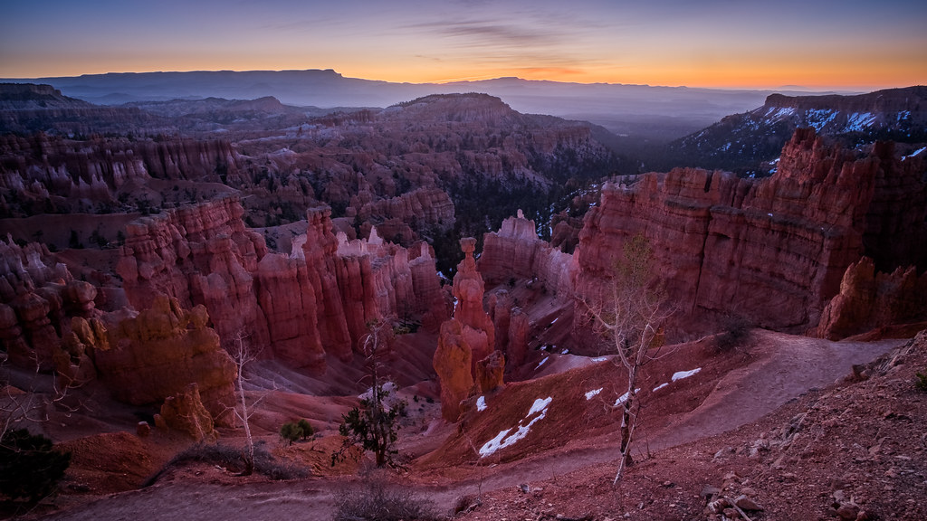 Bryce Canyon at sunrise - Utah, United States - Travel photography