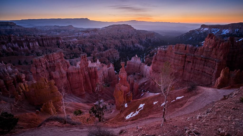 Bryce Canyon at sunrise - Utah, United States - Travel photography