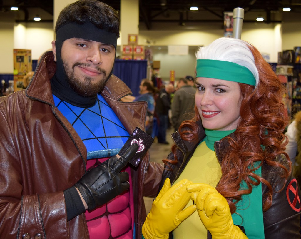 ... Gambit and Rogue cosplay at Rhode Island Comic Con 2016 | by FranMoff  sc 1 st  Flickr & Gambit and Rogue cosplay at Rhode Island Comic Con 2016 | Flickr
