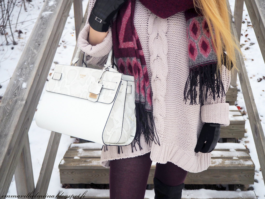 winter outfit oversized knit