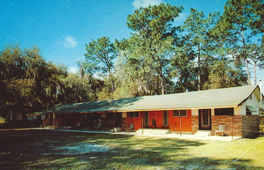Whispering Pines Motel - Starke, Florida