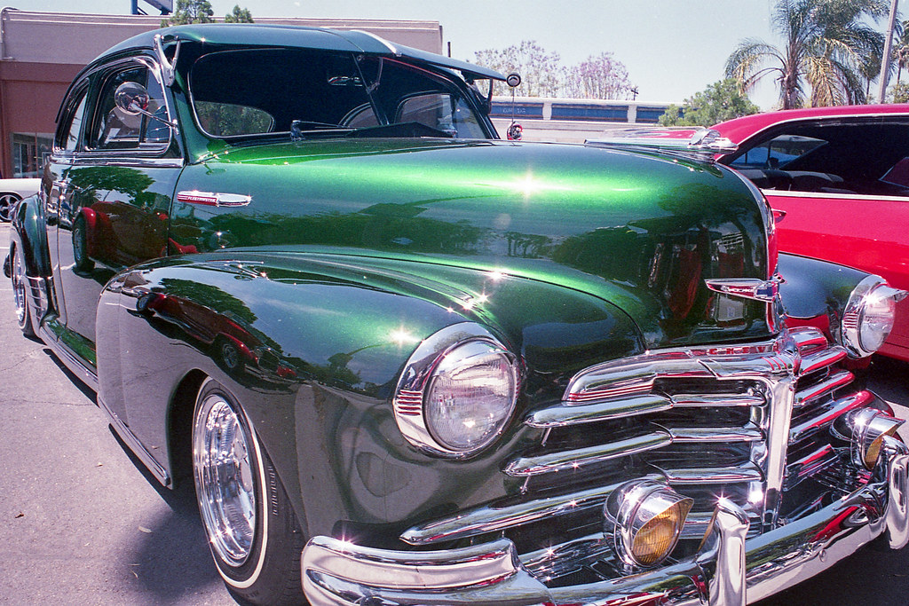 An Old Chevy | We love taking pictures of old cars. Especial… | Flickr