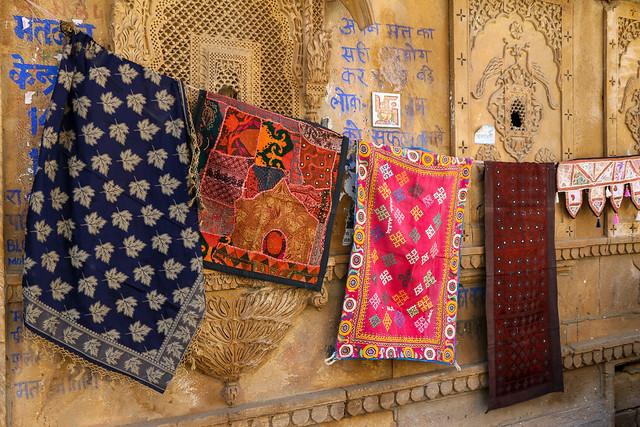 Various Indian fablic handicrafts, Jaisalmer, India ジャイサルメール さまざまなインド伝統の布工芸