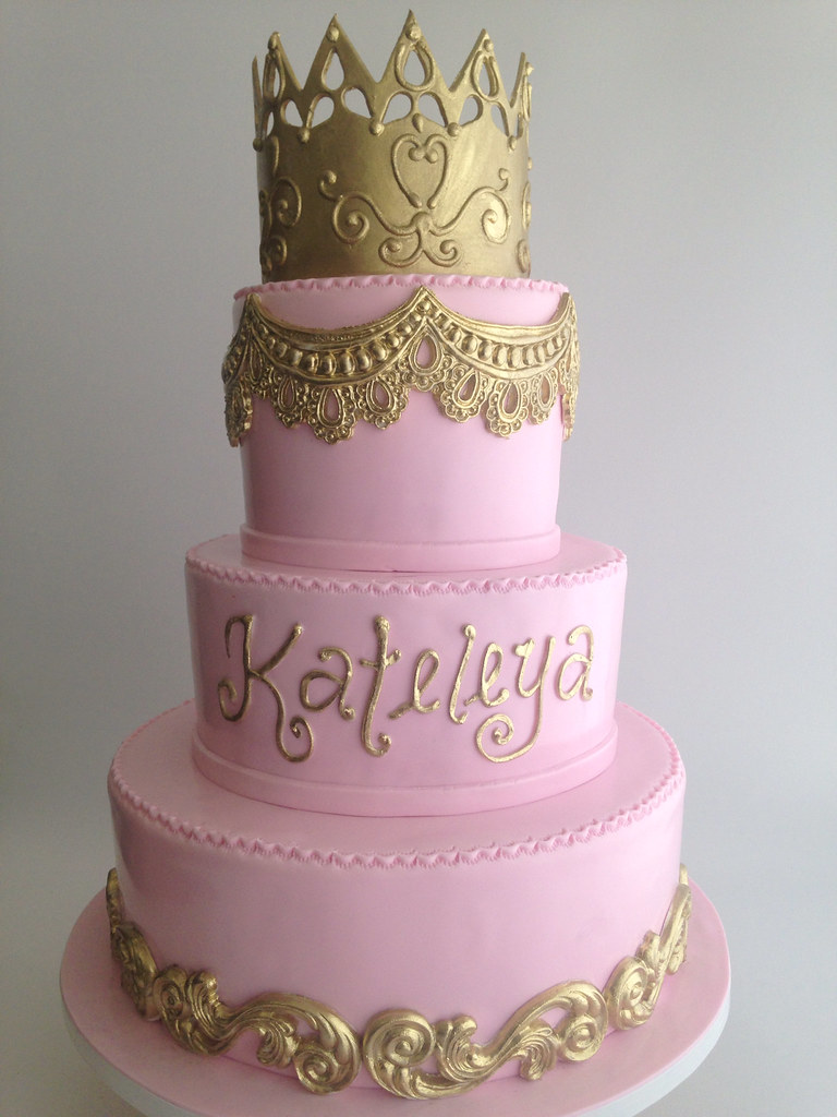 3724 Pink And Gold Birthday Cake With Gold Crown Flickr