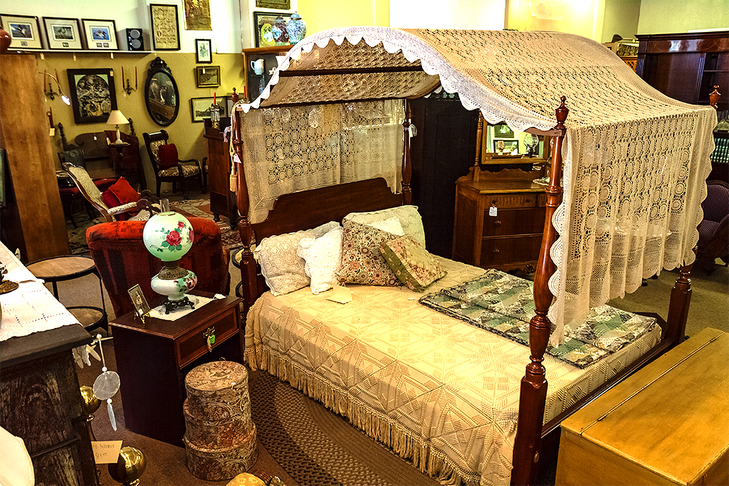 Woodbury Antique Center--Woodbury 5