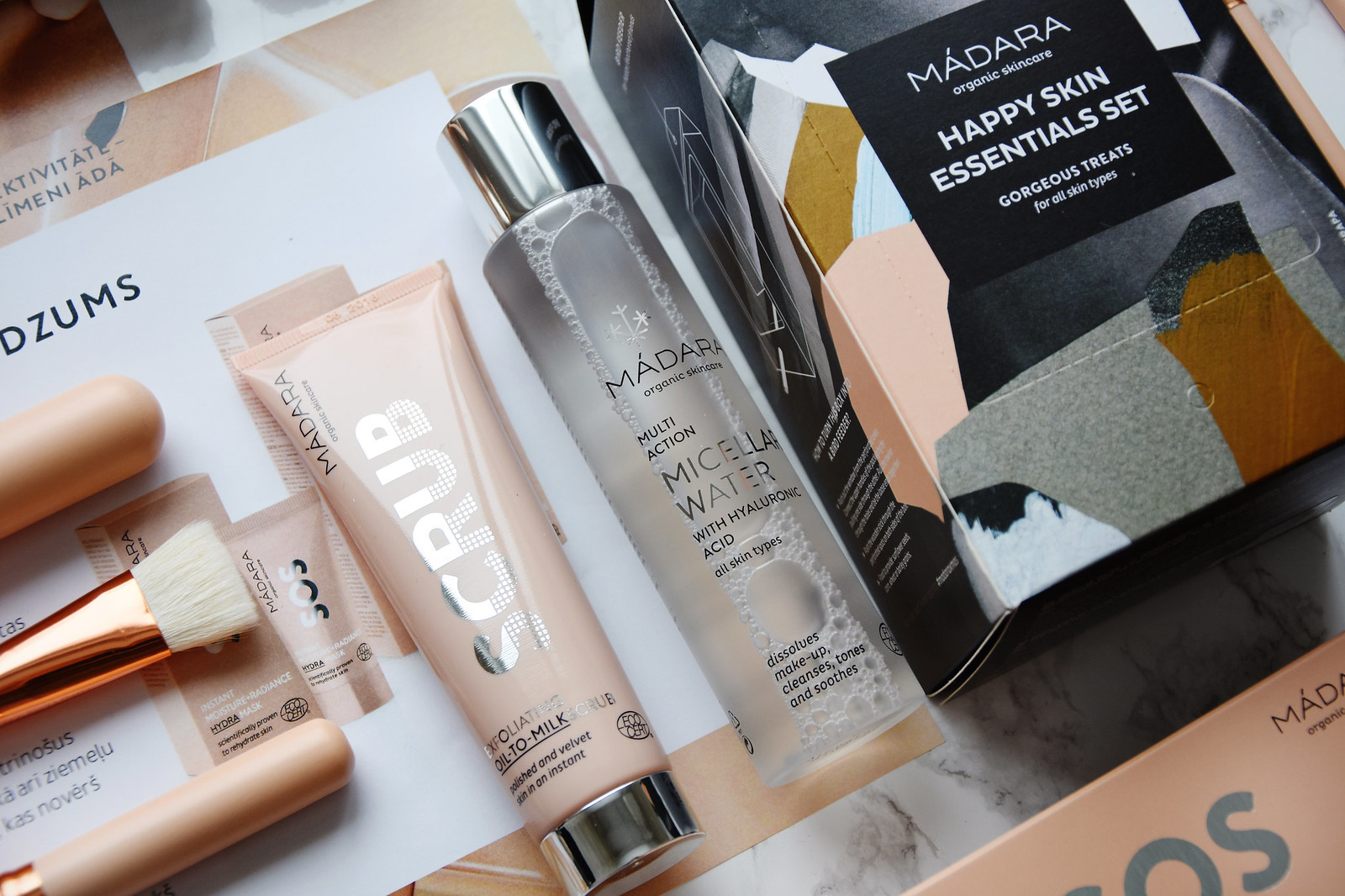 MADARA Cosmetics Happy Skin Essentials set