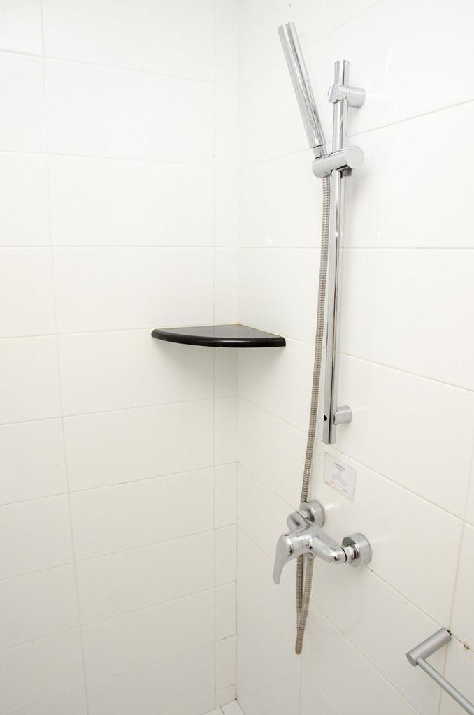 Hotel Puri Melaka's bathroom