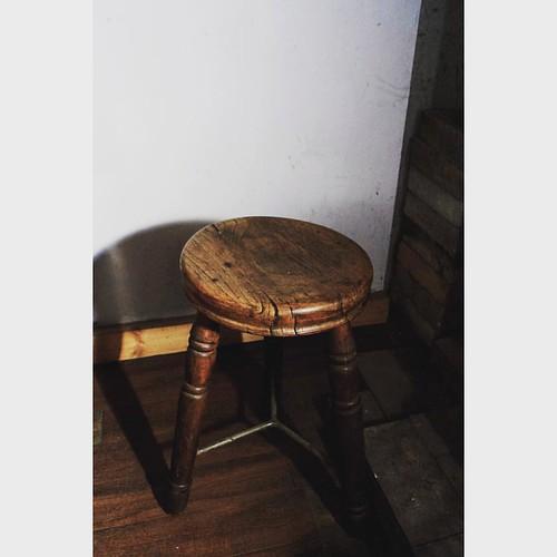 三本脚のスツール Tripod stool #アンティークショップ #中目黒 #スツール #antique #stool