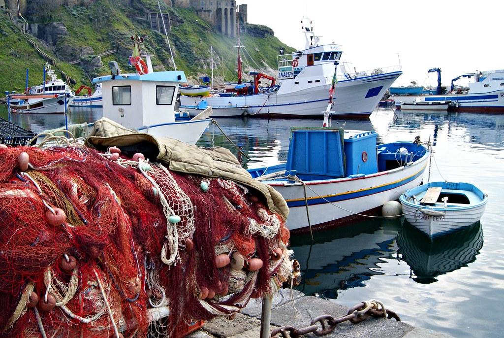 Kalastajaveneitä Procidalla
