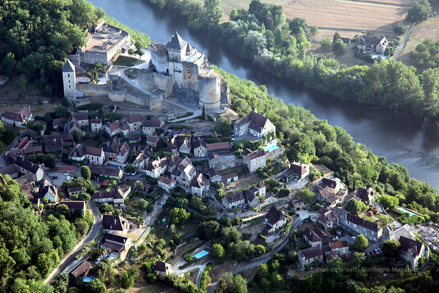 Dordogne Magazine-hot-air-ballooning - Chateau de Castelnaud5