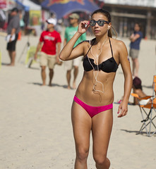 Mission beach bikini girls, hidden college cam amateur