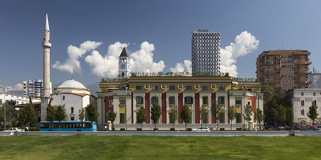 Tirana: Skanderbeg Square