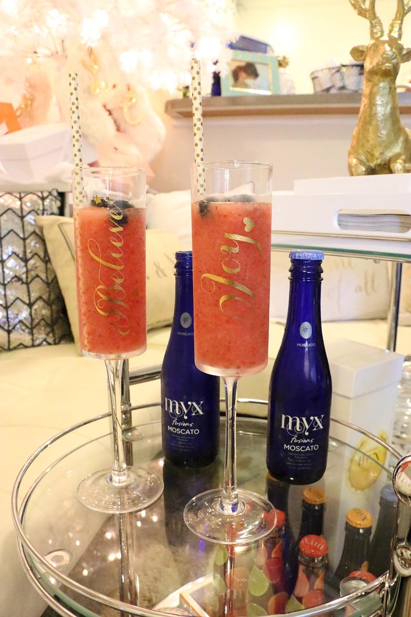 frozen-strawberry-moscato-cocktail-myx-fusion-wine-4