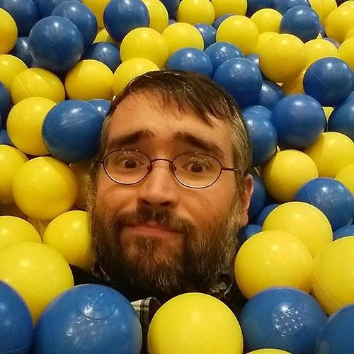 Me in balls #toronto #ikeacan40 #designexchange #ikea #financialdistrict #balls #blue #yellow #me #selfie