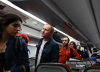 LATAM pasajeros embarcando A321 nuevos bins (RD)