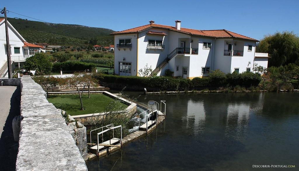 Très belles maisons neuves idéalement situées, entre les collines et la rivière