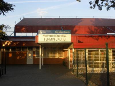 Photo for Piscina municipal de fuenlabrada