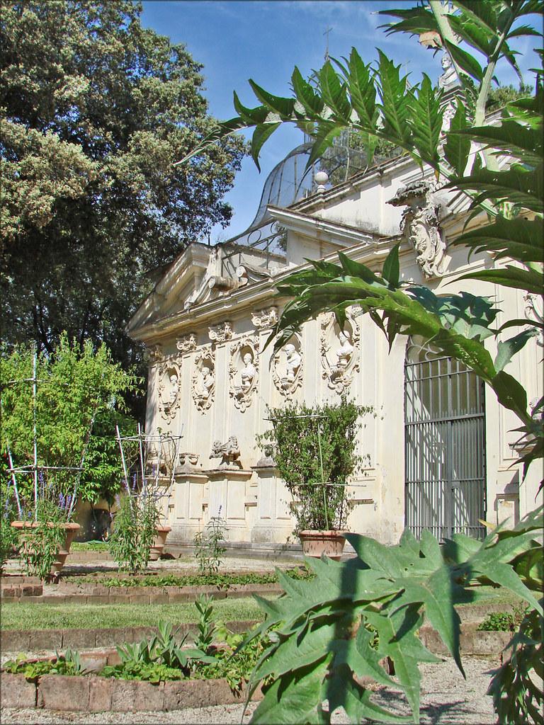 La voli re de la villa borgh se rome le jardin cultiv for Le jardin 489 rome