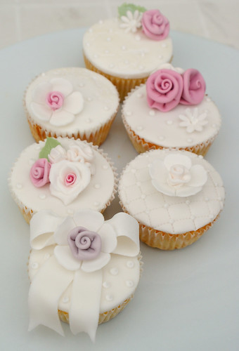 Shabby Chic Cupcakes | by Icing Bliss