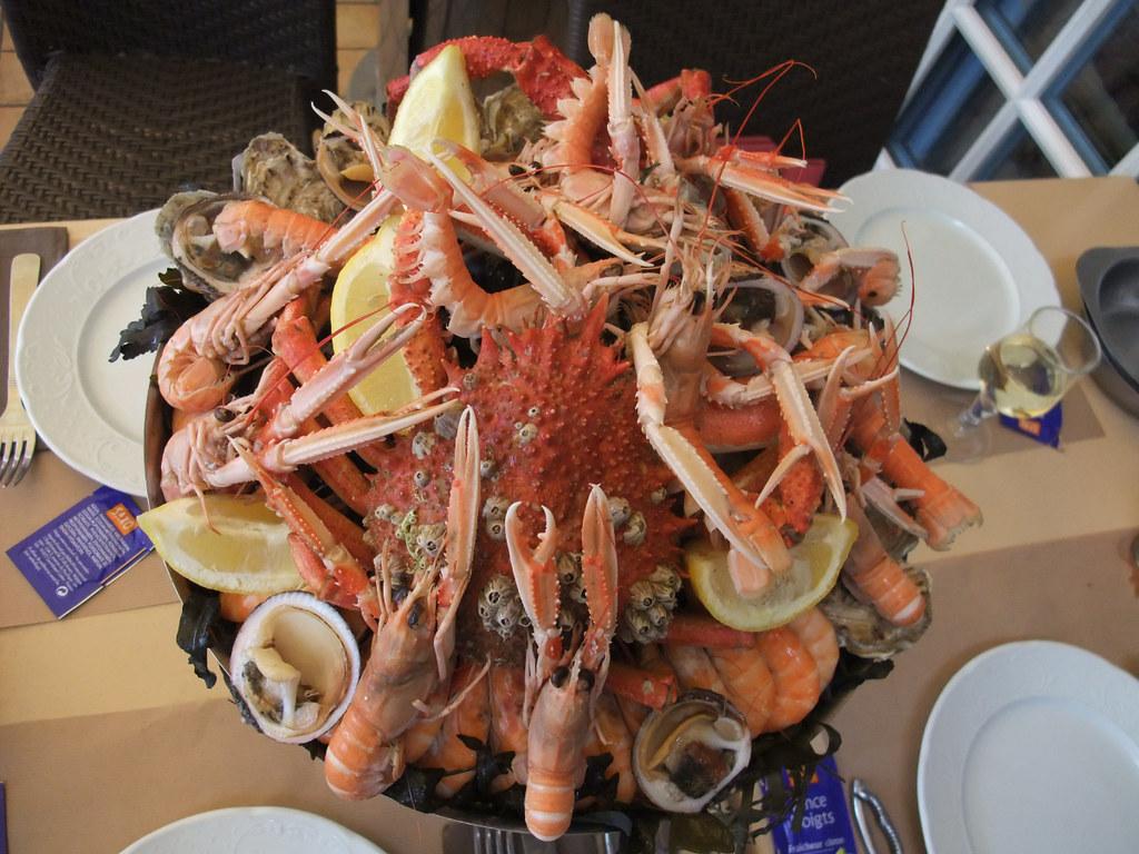 Un Plateau de Fruits de Mer à un restaurant à Cancale, Bre… | Flickr