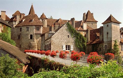 Carennac (Кареннак), Миди-Пиренеи, Франция - достопримечательности, путеводитель по городу. Что посмотреть в Кареннаке и вокруг, как добраться - автобусы