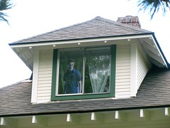 edward in the window of the fake cullen house forks wa | by cybermelli ... & edward in the window of the fake cullen house forks wa | Flickr