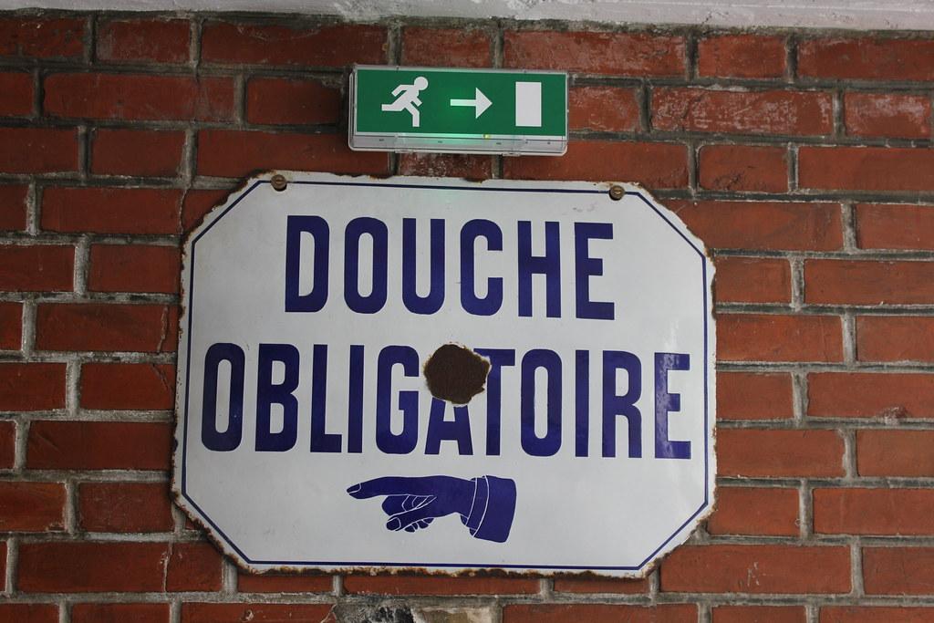 Piscine les bains ville de b gles flickr for Piscine b24