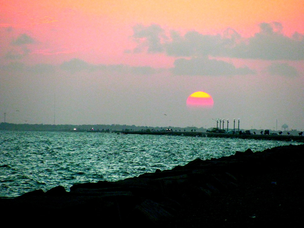 Sunset over the texas city dike worlds longest fishing for Texas city dike fishing