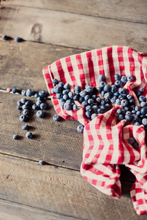 red, white and blueberries. | by hannah * honey & jam