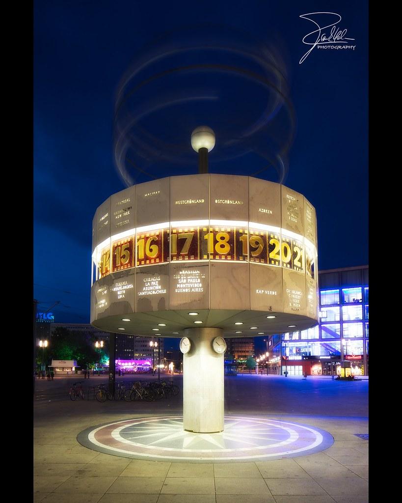Urania Weltzeituhr Urania Weltzeituhr Alexanderplatz