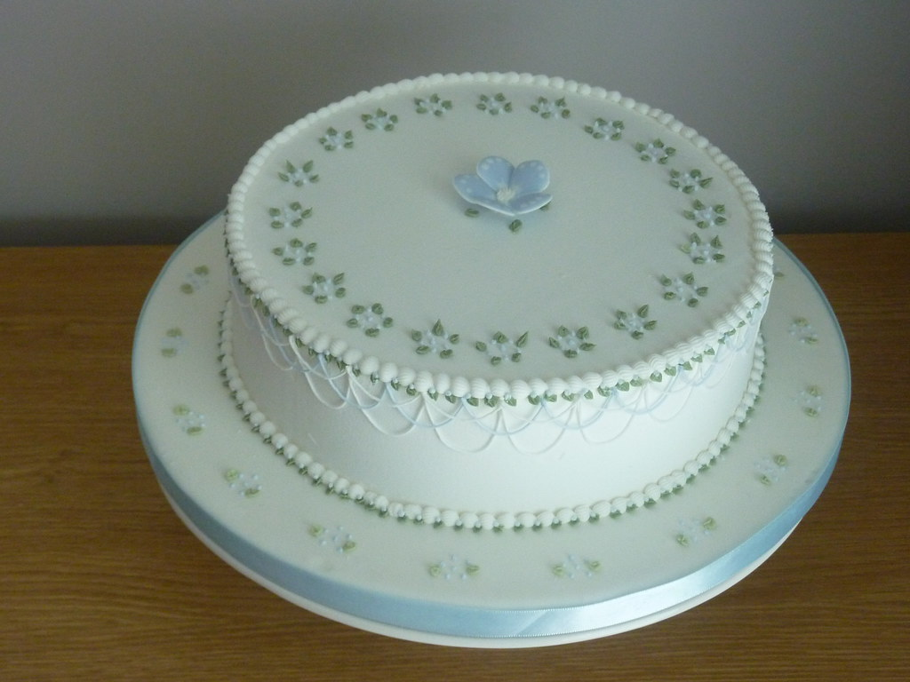Royal Icing Cake - Decorated on Squires Kictchen s Cake De ...