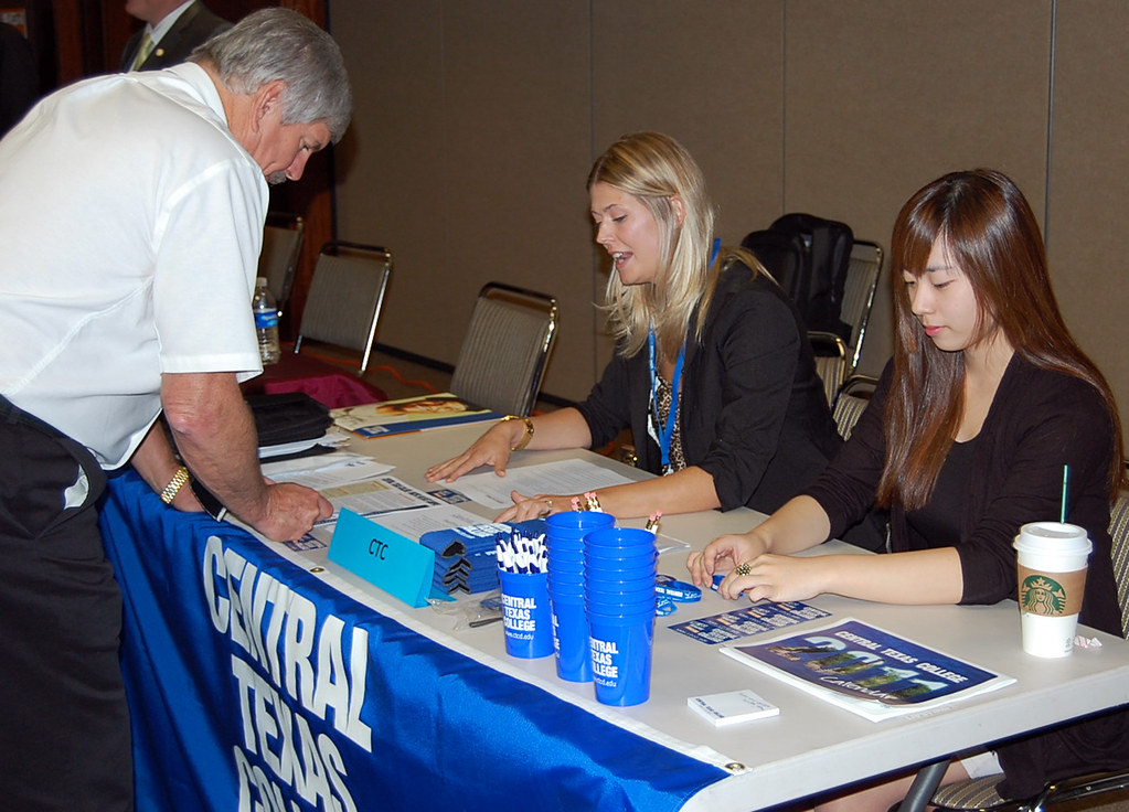 acs job fair  usag humphreys  110930