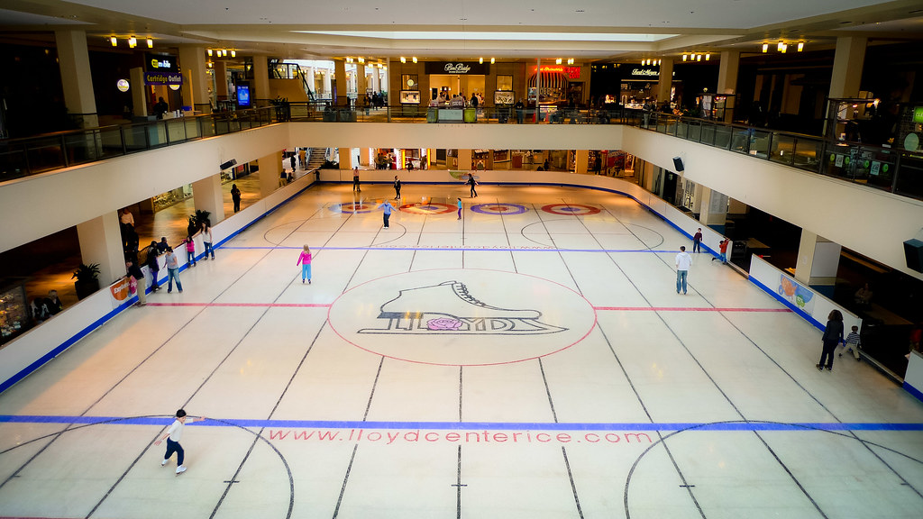 14 Lloyd Center Mall jobs available. See salaries, compare reviews, easily apply, and get hired. New Lloyd Center Mall careers are added daily on cybergamesl.ga