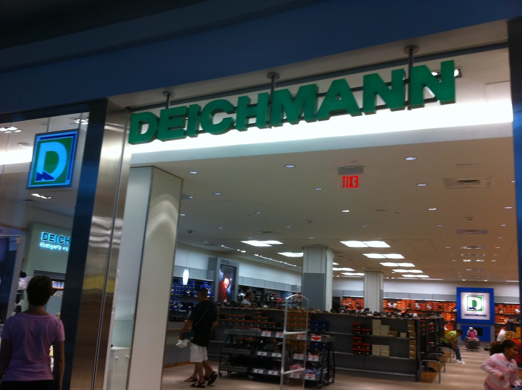 Dd Shoe Store Hiring